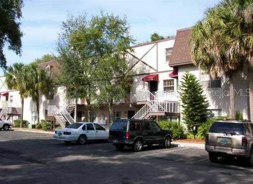 9115 Tudor, Unit #E208 Drive E208, Tampa, FL 33615 (MLS #T3209578) :: The Figueroa Team