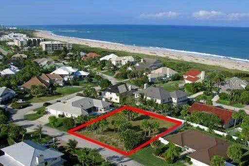 1260 Near Ocean Drive, Vero Beach, FL 32963 (MLS #T3211221) :: 54 Realty