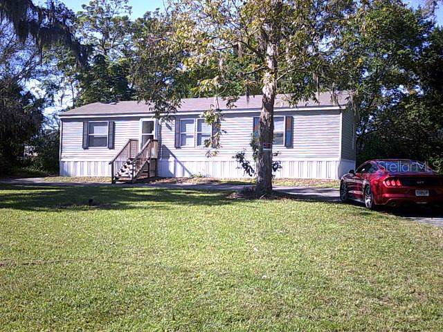 12139 Parkwood Street, Hudson, FL 34669 (MLS #T3211271) :: McConnell and Associates