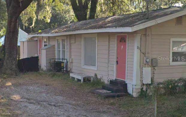 1211 E Cayuga Street, Tampa, FL 33603 (MLS #T3211621) :: Team Borham at Keller Williams Realty
