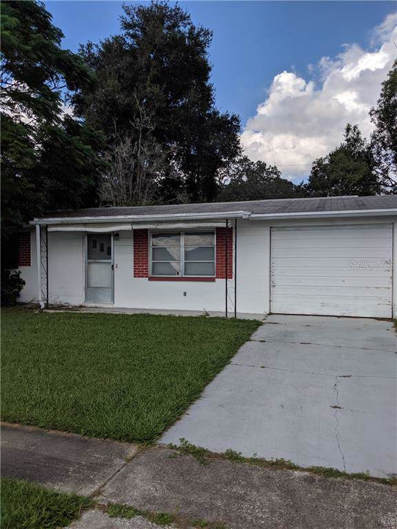 5419 Dawn Lane, Holiday, FL 34690 (MLS #T3213110) :: The Duncan Duo Team
