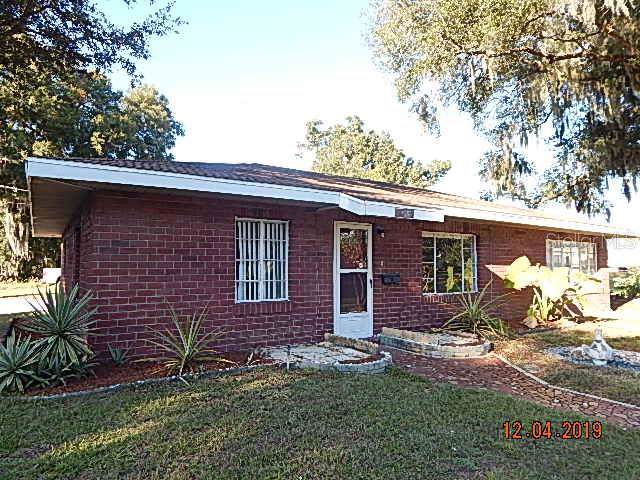 38213 8TH Avenue, Zephyrhills, FL 33542 (MLS #T3214530) :: Lock & Key Realty
