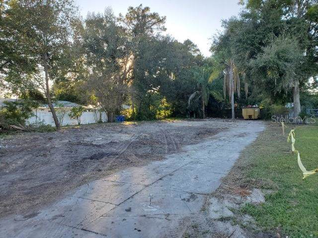 2019 17TH Street NW, Winter Haven, FL 33881 (MLS #T3214599) :: The Duncan Duo Team