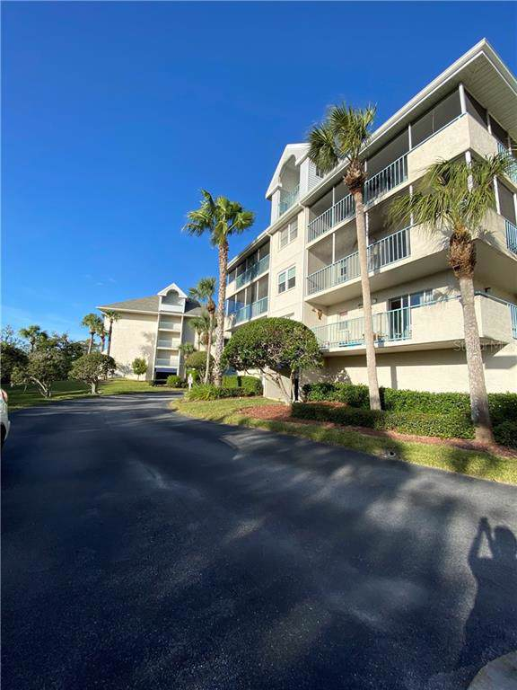 5557 Sea Forest Drive #215, New Port Richey, FL 34652 (MLS #T3217898) :: The Figueroa Team