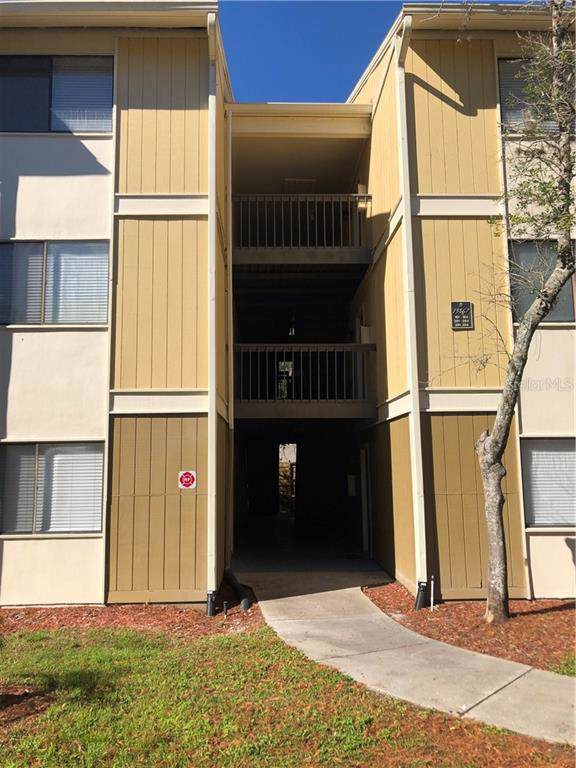 13367 Arbor Pointe Circle #202, Tampa, FL 33617 (MLS #T3221603) :: Gate Arty & the Group - Keller Williams Realty Smart