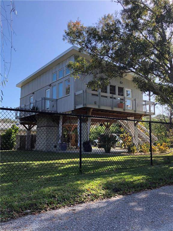 325 Banana Street, Palm Harbor, FL 34683 (MLS #T3221899) :: Team Borham at Keller Williams Realty
