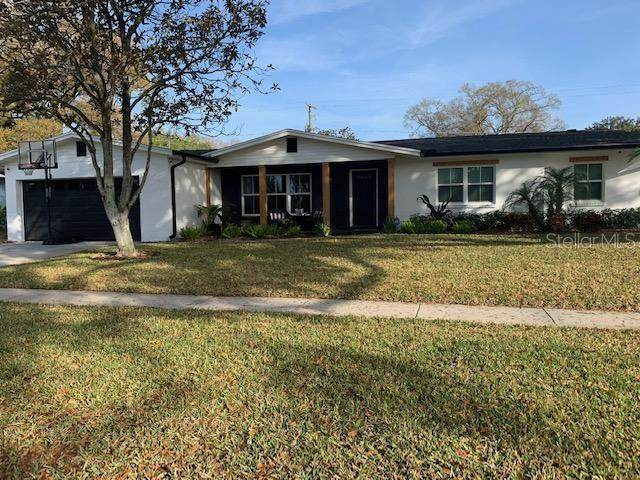 10914 Carrollwood Drive, Tampa, FL 33618 (MLS #T3225738) :: The Duncan Duo Team
