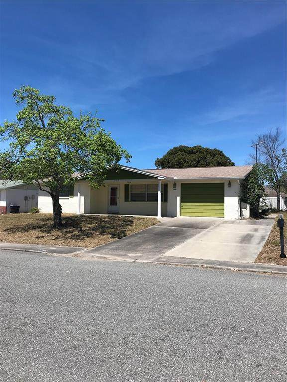 7519 Christina Lane, Port Richey, FL 34668 (MLS #T3234978) :: Griffin Group