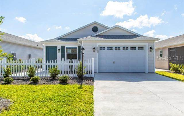 6063 Motz Terrace, The Villages, FL 32163 (MLS #T3235904) :: Sarasota Home Specialists
