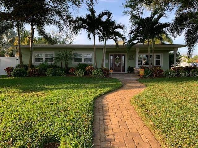 1097 39TH Avenue NE, St Petersburg, FL 33703 (MLS #T3236099) :: Dalton Wade Real Estate Group