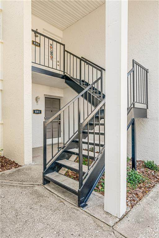 3811 N Oak Drive E52, Tampa, FL 33611 (MLS #T3245016) :: Medway Realty