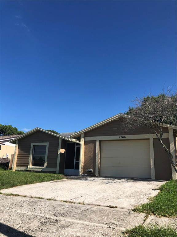 1780 Lakeview Village Drive, Brandon, FL 33510 (MLS #T3250138) :: Griffin Group