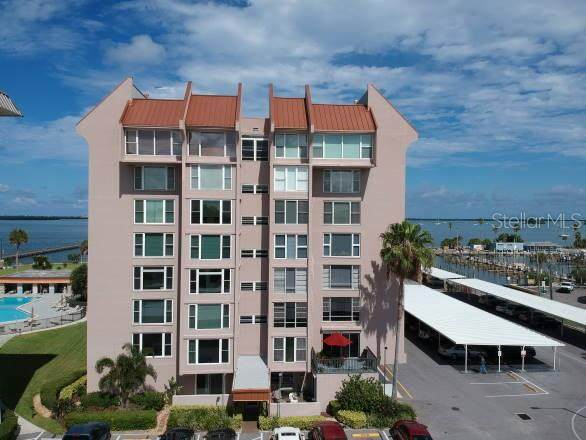 632 Edgewater Drive #738, Dunedin, FL 34698 (MLS #T3257261) :: Dalton Wade Real Estate Group