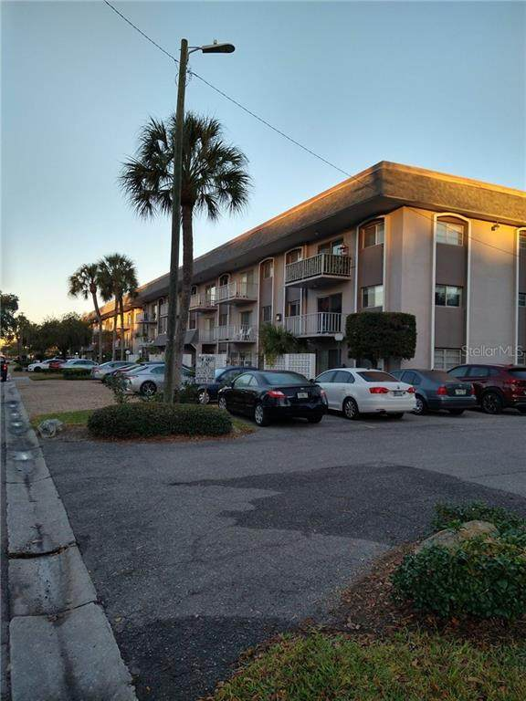 Tampa, FL 33609 :: Young Real Estate