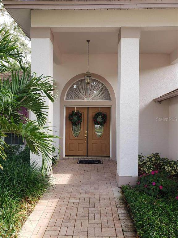5830 28TH Street S, St Petersburg, FL 33712 (MLS #T3284534) :: Team Buky