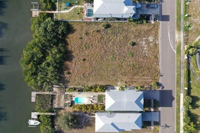 6409 Marbella Boulevard, Apollo Beach, FL 33572 (MLS #T3285830) :: Everlane Realty