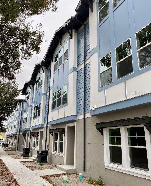 3120 W Azeele Street #3, Tampa, FL 33609 (MLS #T3293424) :: Dalton Wade Real Estate Group
