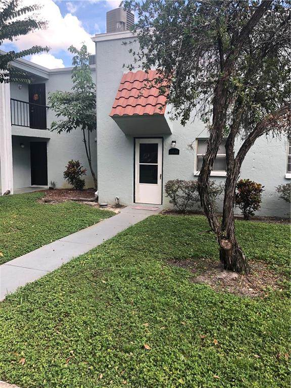 2824 Somerset Park Drive, Tampa, FL 33613 (MLS #T3296365) :: Sarasota Property Group at NextHome Excellence