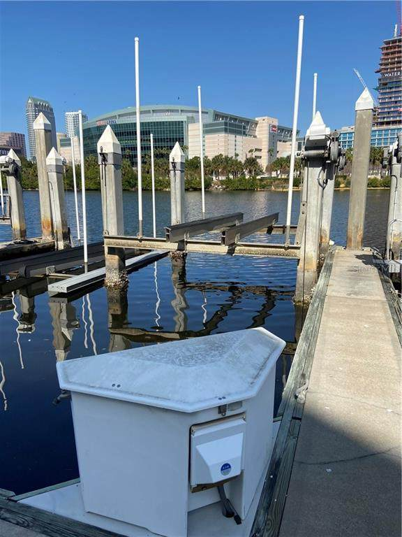 13 Crimson Harbour Marina #4, Tampa, FL 33602 (MLS #T3299400) :: Positive Edge Real Estate