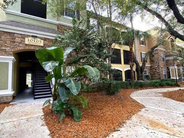 10105 Courtney Palms Boulevard #101, Tampa, FL 33619 (MLS #T3300403) :: Godwin Realty Group