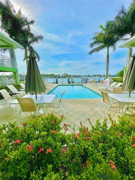 225 104TH Avenue #108, Treasure Island, FL 33706 (MLS #T3300848) :: RE/MAX Local Expert