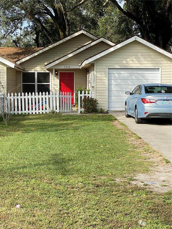5250 579TH Highway, Seffner, FL 33584 (MLS #T3302287) :: Gate Arty & the Group - Keller Williams Realty Smart