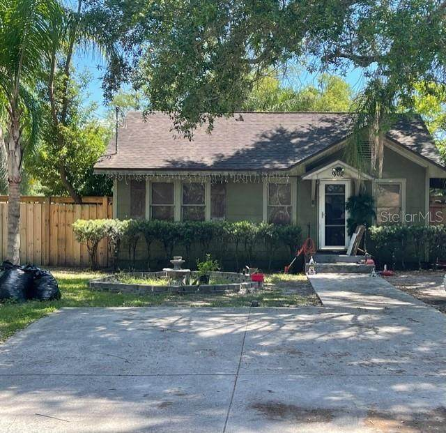 902 W 131ST Avenue, Tampa, FL 33612 (MLS #T3304502) :: The Robertson Real Estate Group