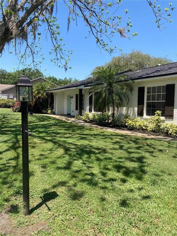 608 Sunset Lane, Lutz, FL 33549 (MLS #T3304628) :: Team Borham at Keller Williams Realty