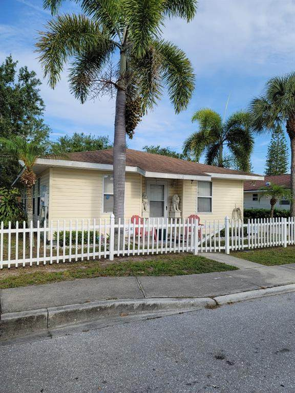 1118 5TH AVENUE Drive W, Palmetto, FL 34221 (MLS #T3305140) :: The Robertson Real Estate Group