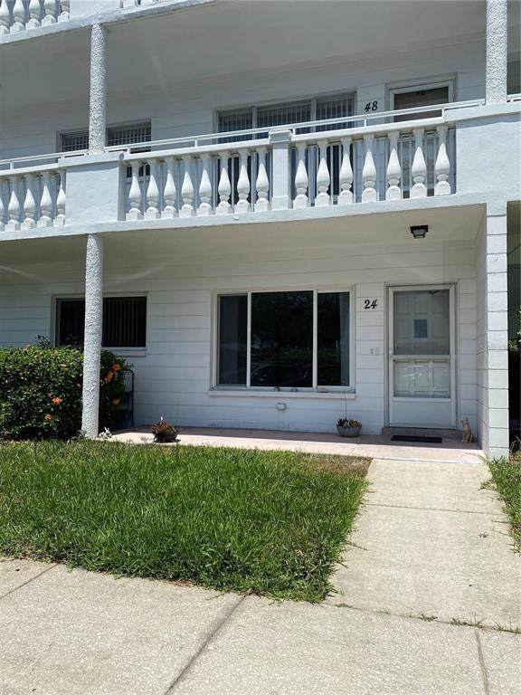 2428 Columbia Drive #24, Clearwater, FL 33763 (MLS #T3306834) :: Team Pepka