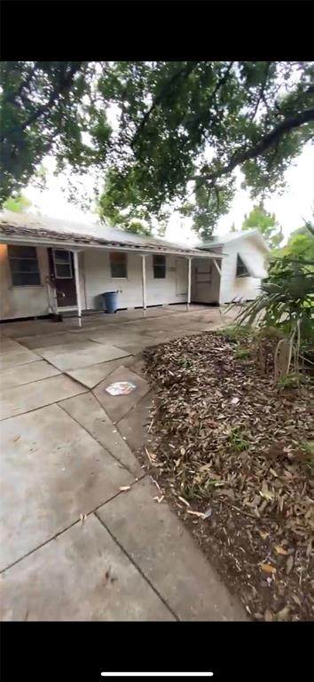 2153 Twin Brooks Road, North Fort Myers, FL 33917 (#T3310561) :: Caine Luxury Team