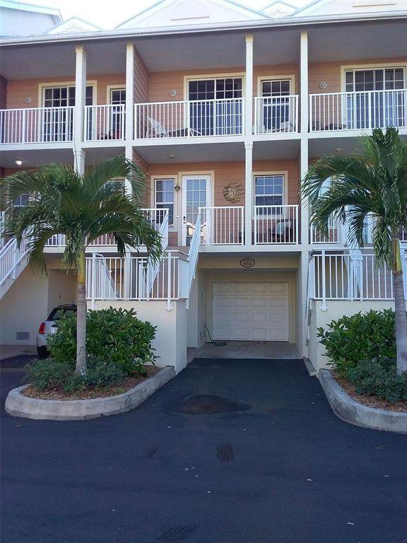 464 Bahia Beach Boulevard, Ruskin, FL 33570 (MLS #T3311934) :: Frankenstein Home Team
