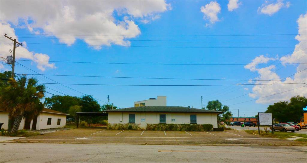 1450 Court Street - Photo 1