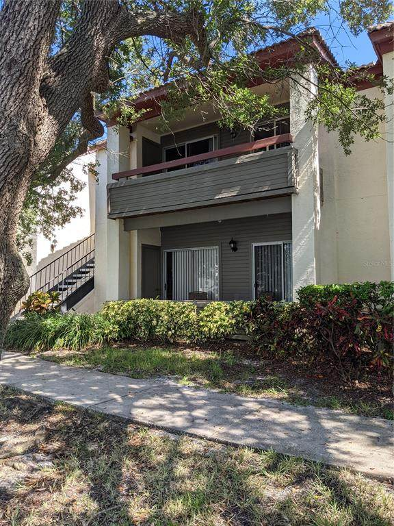 10263 Gandy Boulevard N #2111, St Petersburg, FL 33702 (MLS #T3318969) :: Delgado Home Team at Keller Williams