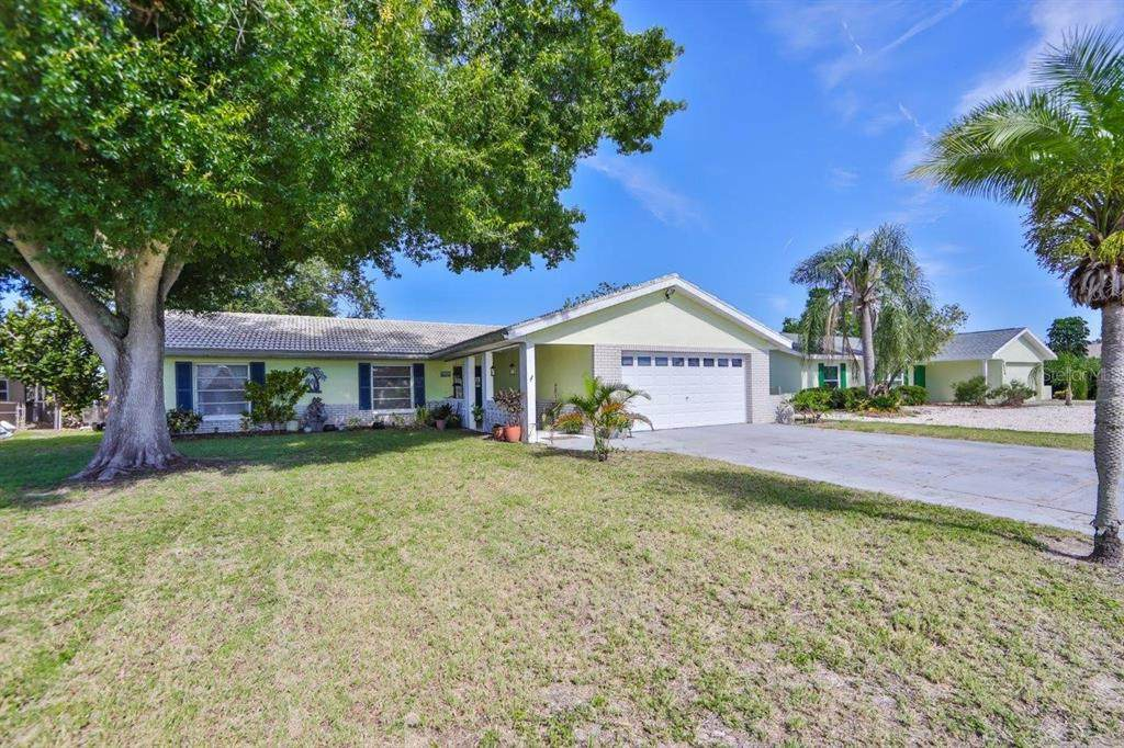 6522 Solitaire Palm Way - Photo 1