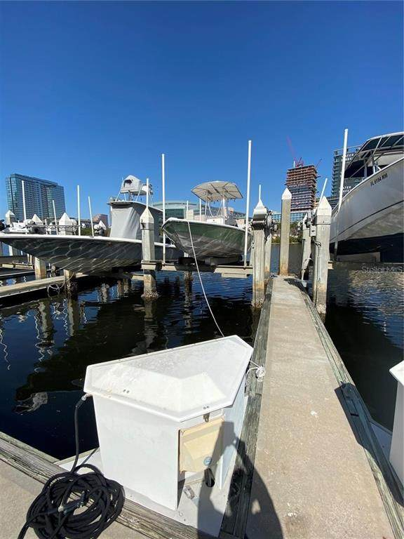 13 Crimson Harbour Marina #15, Tampa, FL 33602 (MLS #T3328976) :: The Duncan Duo Team