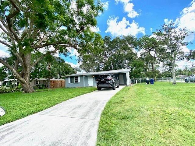 5529 Nutmeg Avenue, Sarasota, FL 34231 (#T3330208) :: Caine Luxury Team