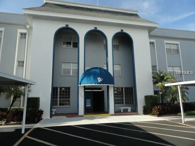 701 Poinsettia Road #306, Belleair, FL 33756 (MLS #U7845648) :: The Duncan Duo Team
