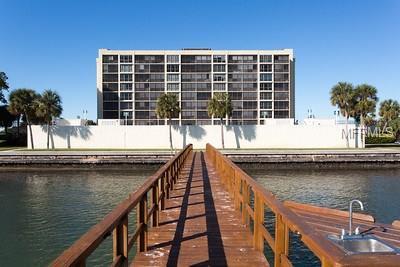 7100 Sunshine Skyway Lane S #704, St Petersburg, FL 33711 (MLS #U7848863) :: Five Doors Real Estate - New Tampa