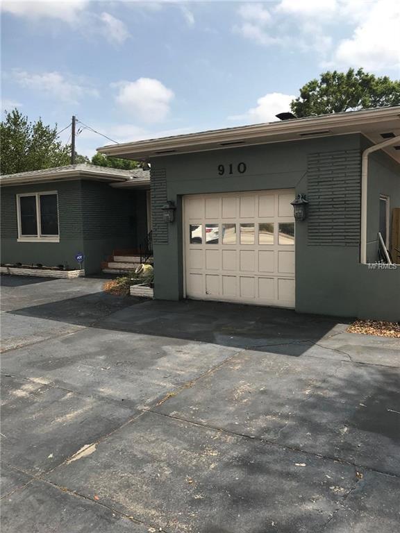 910 38TH Avenue N, St Petersburg, FL 33704 (MLS #U7852071) :: Griffin Group