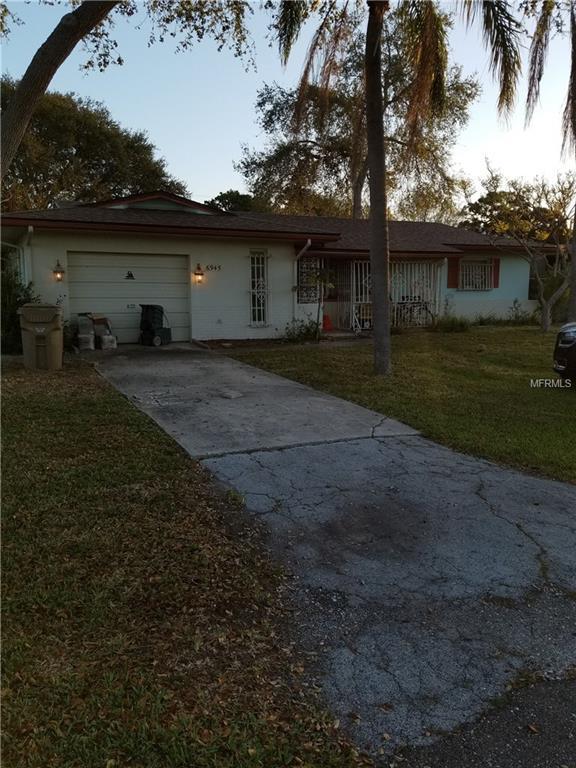 6945 Hibiscus Avenue S, South Pasadena, FL 33707 (MLS #U7852368) :: Delgado Home Team at Keller Williams