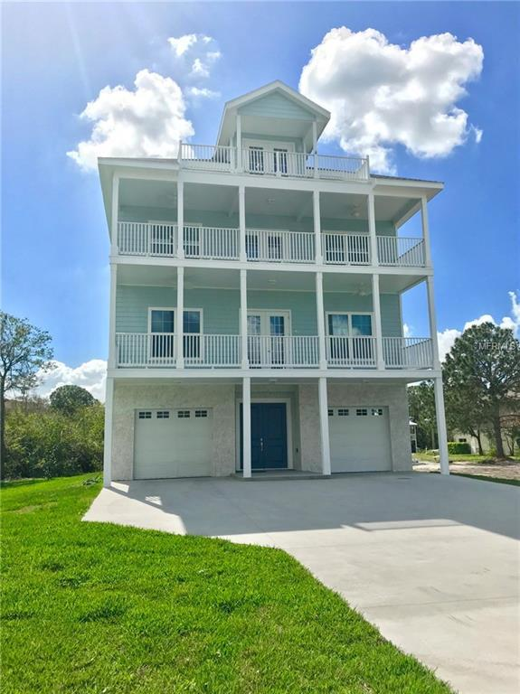 422 Oceanview Ave, Palm Harbor, FL 34683 (MLS #U7852674) :: Chenault Group
