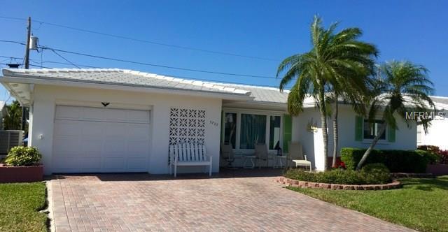 3722 98TH Terrace N, Pinellas Park, FL 33782 (MLS #U7854641) :: The Duncan Duo Team