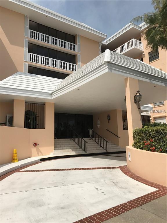 6500 Sunset Way #112, St Pete Beach, FL 33706 (MLS #U8000931) :: The Signature Homes of Campbell-Plummer & Merritt