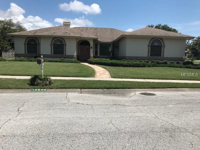12809 Harborwood Drive, Largo, FL 33774 (MLS #U8001400) :: Revolution Real Estate