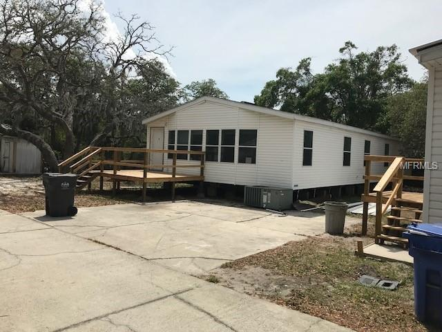 8841 Richmond Street, Gibsonton, FL 33534 (MLS #U8003415) :: The Duncan Duo Team