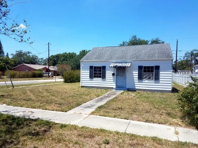 5600 Dr Martin Luther King Jr Street N, St Petersburg, FL 33703 (MLS #U8003782) :: Delgado Home Team at Keller Williams