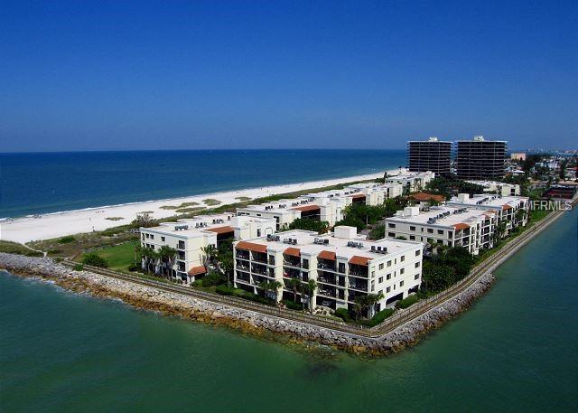 7466 Bayshore Drive #304, Treasure Island, FL 33706 (MLS #U8008429) :: Chenault Group