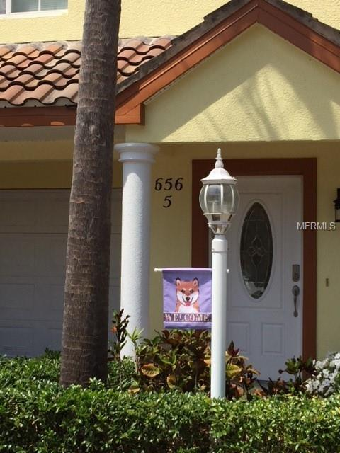 656 Bayway Boulevard #5, Clearwater Beach, FL 33767 (MLS #U8011700) :: Lock and Key Team