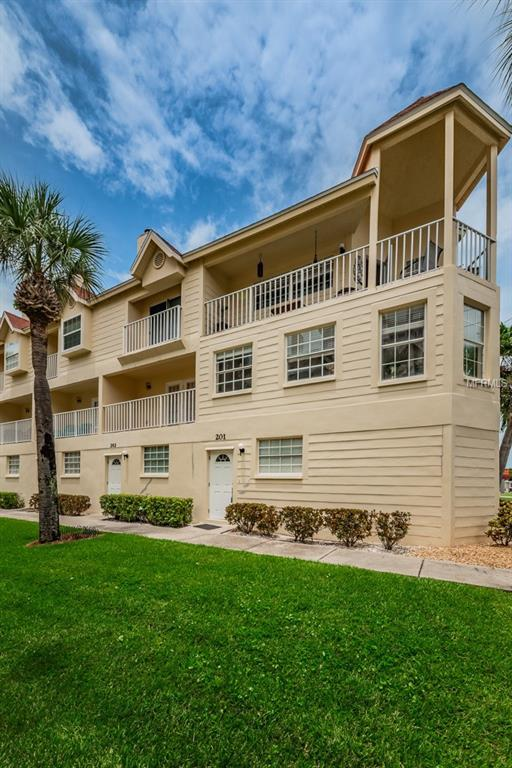 17960 Gulf Boulevard #201, Redington Shores, FL 33708 (MLS #U8013119) :: The Duncan Duo Team